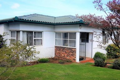 - 3 Bedroom House in Perridgevale 385x258 - 3 Bedroom House in Perridgevale