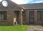 - 1 Bedroom Townhouse for sale in Lorraine Port Elizabeth 150x110 - 2 Bedroom Townhouse in Lorraine, Port Elizabeth