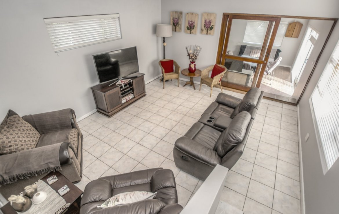 2 Bedroom House for sale in Framesby