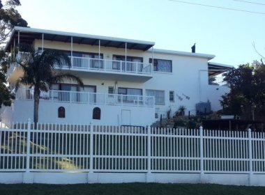 - 3 Bedroom House for sale in Westering Port Elizabeth 380x280 - 3 Bedroom House in Parsons Hill, Port Elizabeth