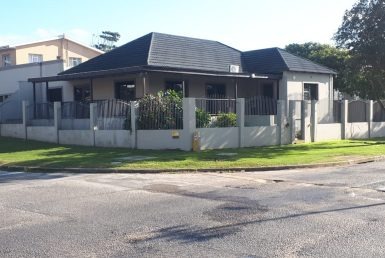 Bedroom Commercial For Sale in Newton Park