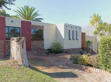 3 Bedroom House For Sale in Mangold Park
