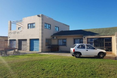 - 3 Bedroom House in Walmer 385x258 - 3 Bedroom House in Walmer